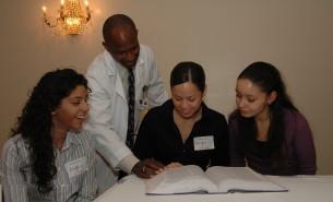 Our Programs - Mentoring in Medicine